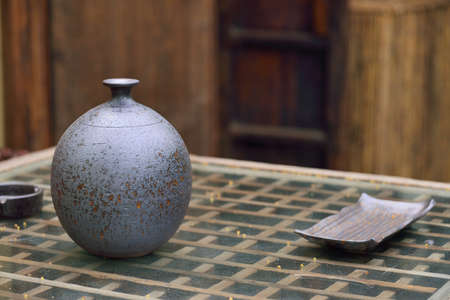 living style: Chinese style living vessel