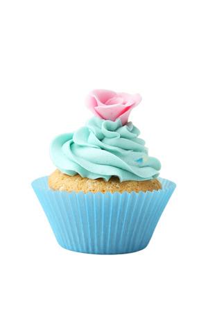 vanilla cupcake: Tasty cupcake isolated on white