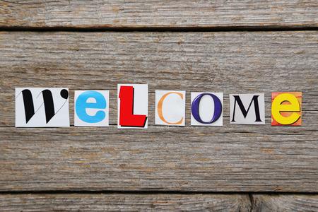 ritagliare: La parola di benvenuto in tagliato lettere rivista