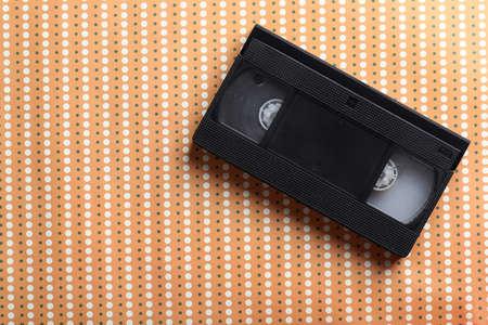 videocassette: Cinta video en el fondo beige