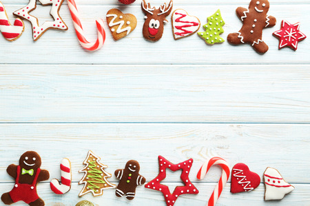 Christmas cookies on a blue wooden table Standard-Bild