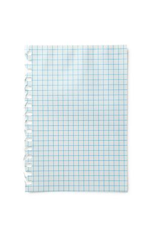 Pedazo de papel de nota sobre fondo blanco