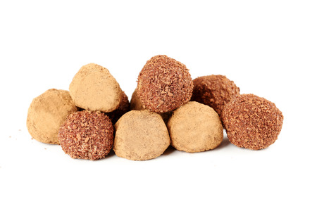 truffe blanche: Sweet chocolate truffle isolated on a white