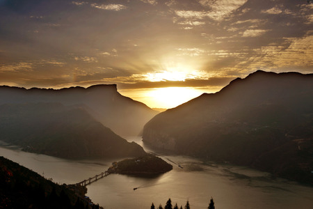 three gorges: Scenery of river at Kuimen, China Stock Photo