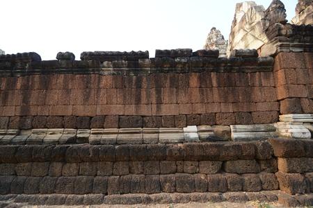 thom: sdok kok thom temple