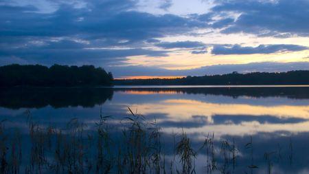 Tranquil Lake at Sunset Reklamní fotografie