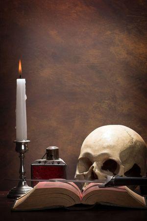 La scrivania di un alchimista  Archivio Fotografico