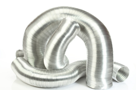 tubi dell'aria di alluminio su bianco