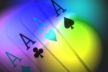 Abstrakten Stils Nahaufnahme von vier Ace Karten mit mehrfarbiger Lichteffekt filter Standard-Bild - 9004658