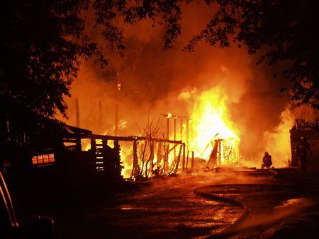 quemadura: Incendio nocturno