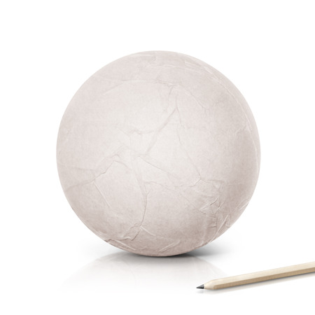 lapiz y papel: Paper ball with pencil on white background