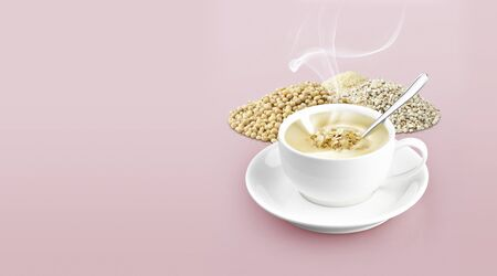 Cup of cereal on color background solid Standard-Bild - 132725283