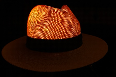 Light in the shape of a Panama Hat