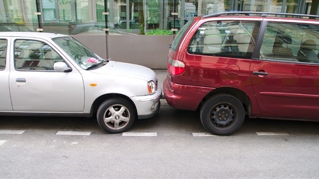 Park your car in Paris, the best training for parking