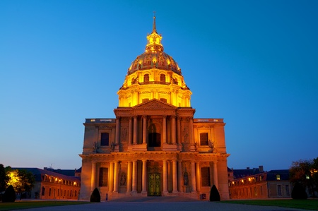 D�me des Invalides, Tomb of Napoleon in Paris Night View