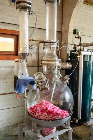 still, distillation of aromatic rose oil