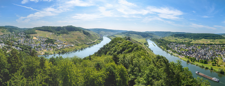 mosel: Moselle river valley panorama view on Punderich, Germany