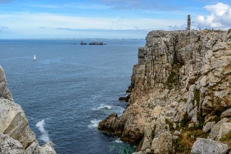ポワント ・ デュ ・ Toulinguet、近くにはモルガ、Crozon、ブルターニュ、プレスキル イル デ Crozon、フランスの周りの崖