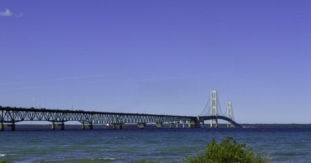 Mackinac bridge that connects lower and upper michigan