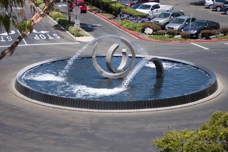Modern Fountain Escultura de acero Foto de archivo - 20738005