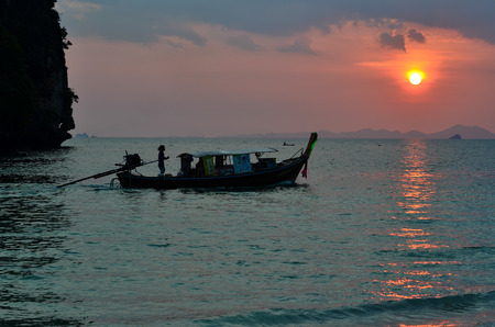railay: Fishing boat with Sunset at Railay Beach