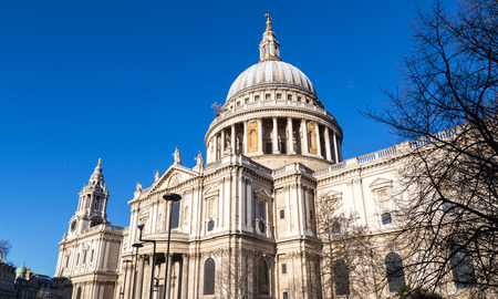 st pauls cathedral: St Pauls Cathedral London with blue sky.