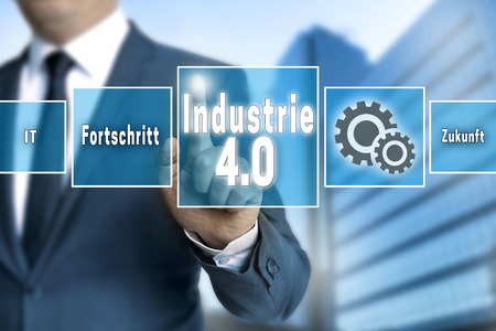 industrie: Industrie 4.0 in german industry touchscreen is operated by businessman background