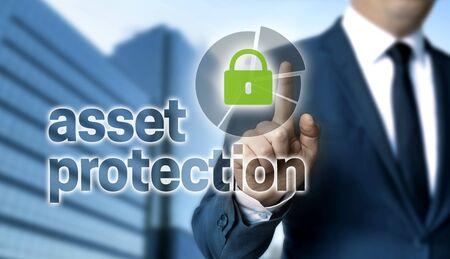 Asset Protection-concept wordt getoond door zakenman.