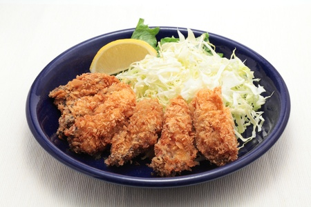 fried foods: Fried oysters with salad