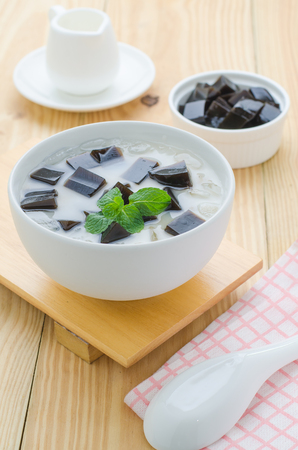 Grass Jelly - Chinese dessert
