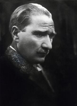 statesman: Ataturk