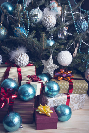 A Festive Morning With A Christmas Tree In A Living Room Elegant Simple Christmas Tree Decorations In A Box