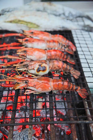 broiling: Bury the shrimp Shrimp from the nature of ASEAN  Stock Photo