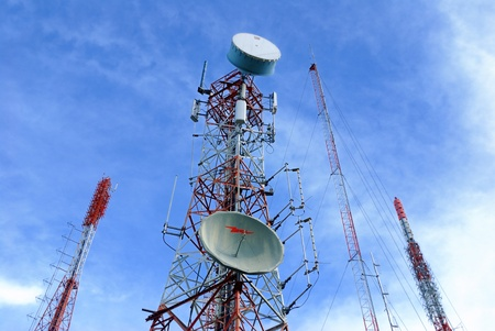 transmitter: Antenna TV It is characterized by high towers made ??of steel. Used to transmit television signals.