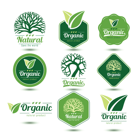Natuur labels en badges met groene boom en verlaat, vector illustratie Stock Illustratie