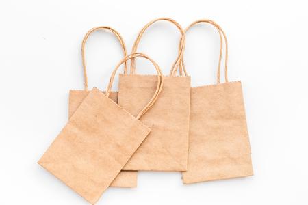 Brown kraft paper bag for shopping on white background top view mockup 版權商用圖片 - 98861964