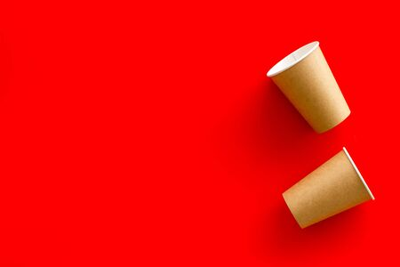 paper cups for coffee to take away on red background copyspace 版權商用圖片