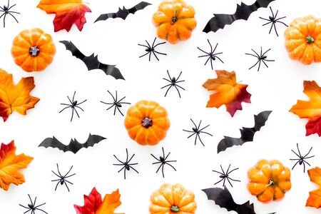 Halloween pattern with pumpkins, spiders and bats on white background top view Stok Fotoğraf