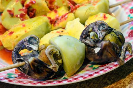 Balut  Balot: Het ontwikkelen van kip embryo dat wordt gekookt en gegeten in de shell meestal gegeten in de Filipijnen en Zuidoost-Aziatische landen.