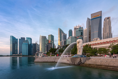 Singapore - September 25, 2017 The Merlion fountain and Singapore skyline. Merlion is a famous Attraction of Singapore. Editöryel