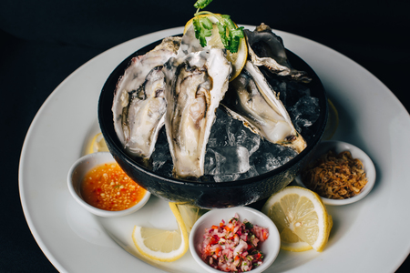 Concept picture for luxury Valentines day food - Oyster Stockfoto