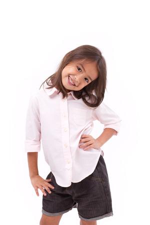 gelukkig, glimlachend jong meisje permanent
