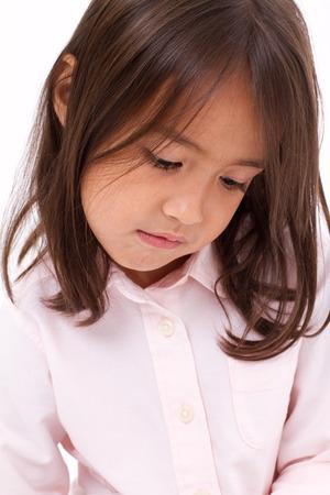 petite fille triste: petite fille triste