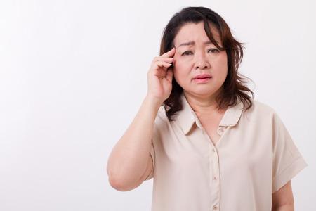 ziek, benadrukt vrouw die lijdt aan hoofdpijn, migraine