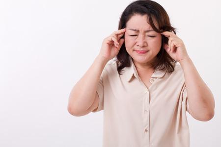 enfermos: enfermo, estresado mujer que sufre de dolor de cabeza, migra�a Foto de archivo