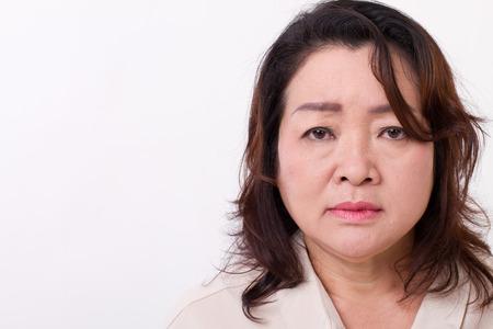 mujer decepcionada: decepcionado, mujer triste, infeliz, negativo, deprimido mediana edad