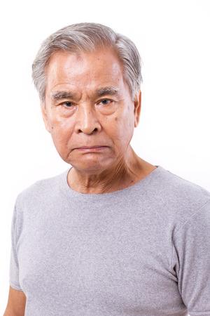 persona triste: Hombre frustrado, enojado, decepcionado mayor de edad