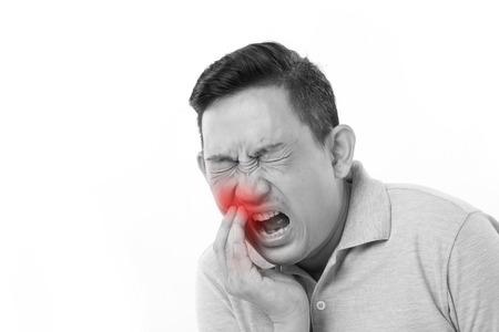 homme souffrant de maux de dents, sensibilité dentaire Banque d'images