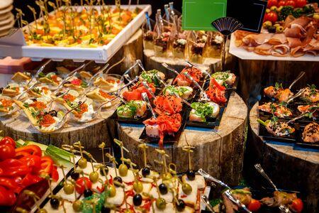 Cibo per la ristorazione, molti snack diversi