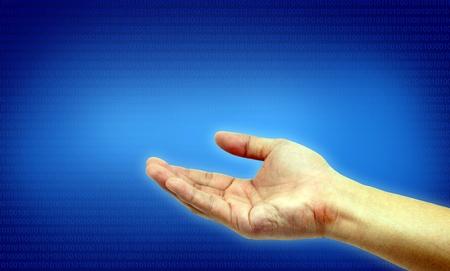 mano derecha: mano derecha en la pantalla azul Foto de archivo